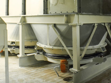 Vibrating plate extractor