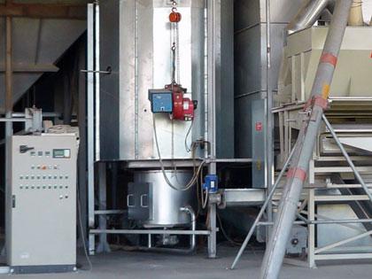 Pulverized biomass heat generator