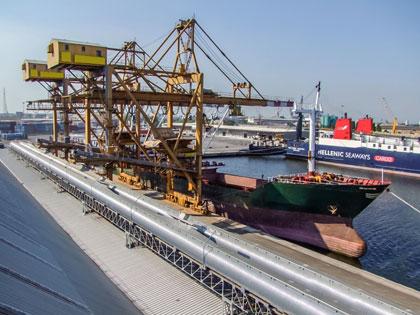 KOMPLETTE ANLAGEN: Hafenlogistik