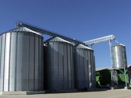 Flat base silos - corrugated metal