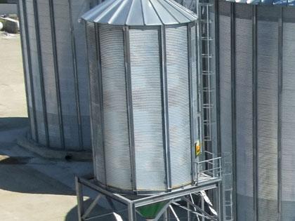 Quick loading silos