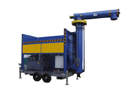 Mobile feed hopper